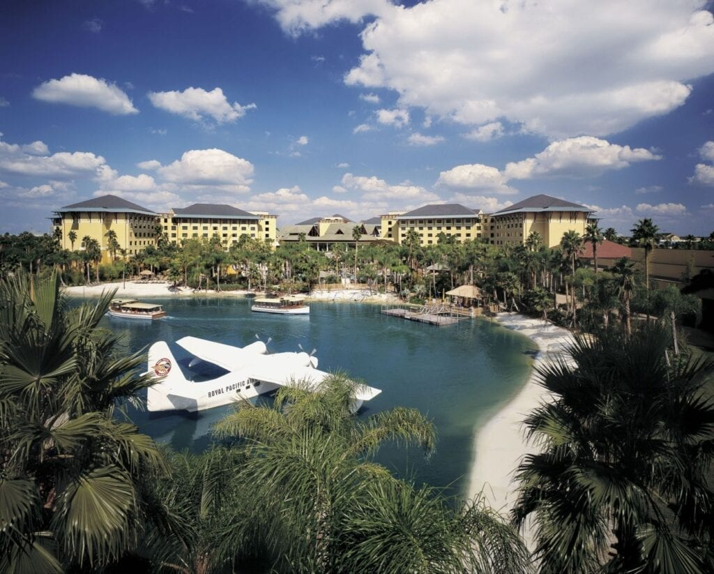 Royal Pacific Resort - a short walk or boat ride to the Universal Parks!